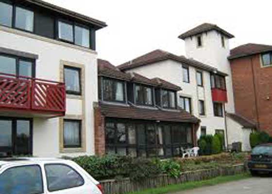 Residents offered £10,000 to agree house manager's flat sale were wrongly told it belonged to freeholder, not Peverel