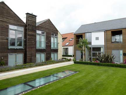 Spire View is a well thought out scheme surrounding communal gardens and a swimming pool. Best of all, there are no angles for leasehold gameplayers